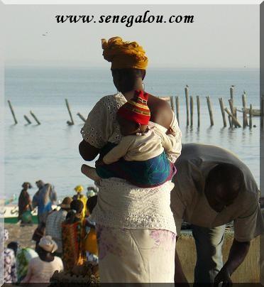 bebe-senegalais-sur-le-dos.JPG